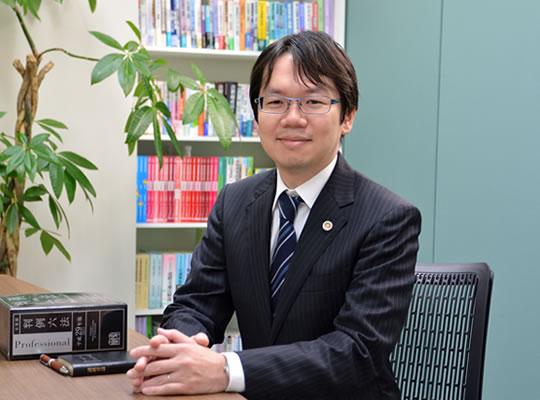 弁護士浅野智裕